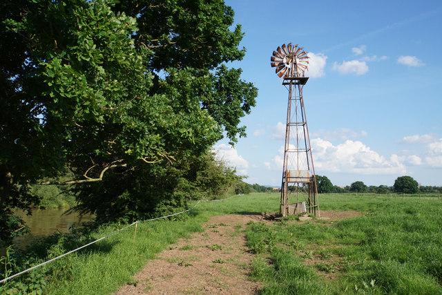 Wind pump near Bushley