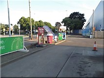 SJ9103 : Petrol station on Stafford Road, Fordhouses by David Howard