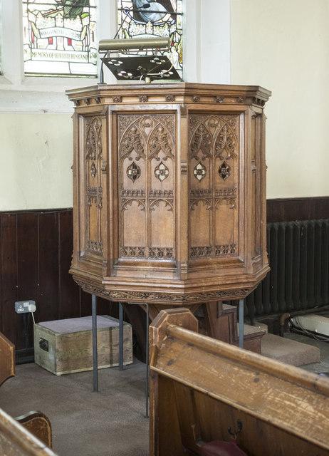 Christ Church, Waltham Cross - Pulpit