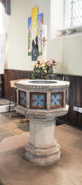 Christ Church, Waltham Cross - Font