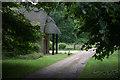 TL1950 : Stone Lodge, off Sandy Road by Robert Eva