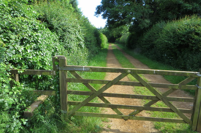 Footpath towards Hardwicke