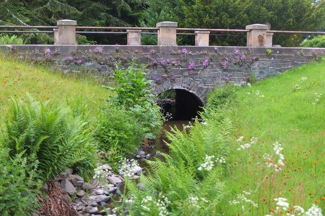 Bridge over the Kailzie Burn