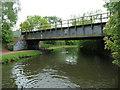 SO9086 : Railway bridge over the Stourbridge Canal by Christine Johnstone