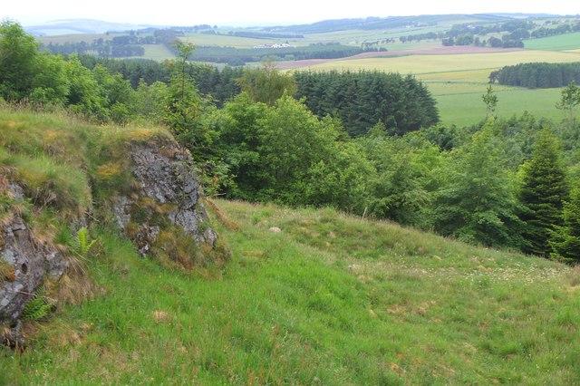 Old quarry below Broomy Law