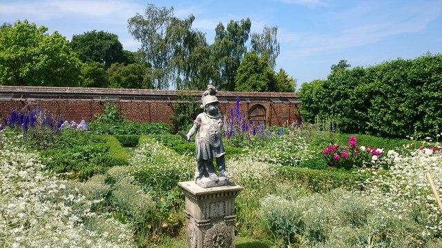 Walled garden at Dunsborough Park