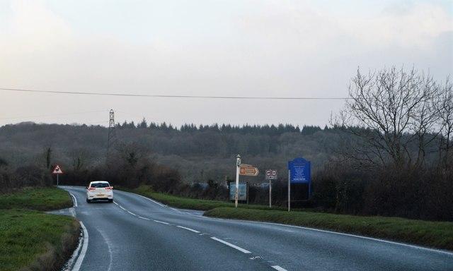 B3192, Colley Lane Cross