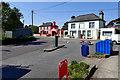 V6955 : Litter bin outside Harrington's Grocery & Deli by Mick Garratt