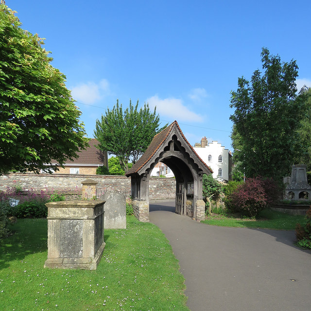 Wilton: churchyard and lychgate
