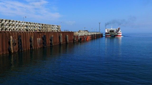 The pier at Gills Bay