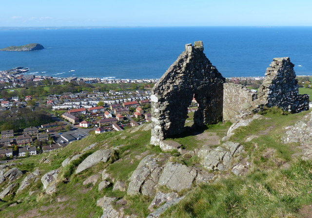 Ruins on the summit of North Berwick Law