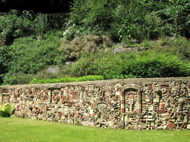 The Plantation Garden - retaining wall