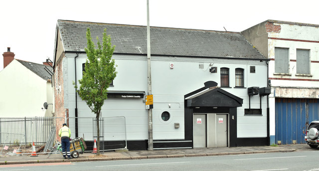 """Blades"" social club, Belfast (June 2018)"