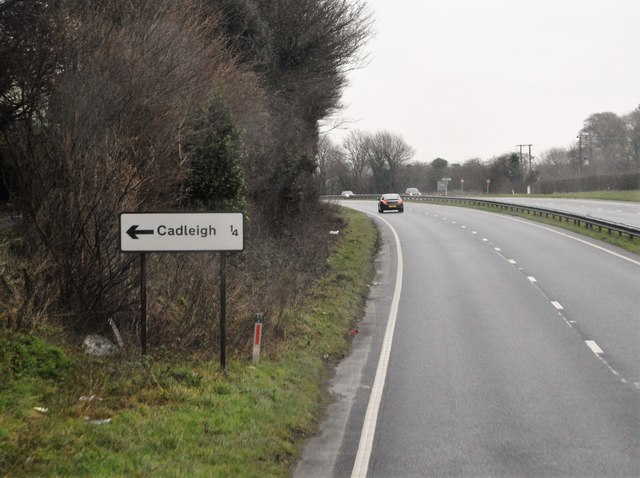Approaching the Cadleigh turning, A38