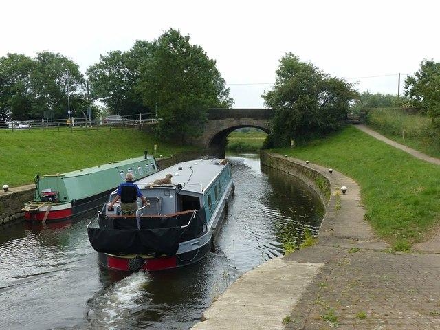 Leaving Kegworth shallow flood lock