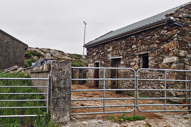 Farmyard and barn, Leagaun