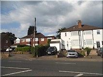 SO9181 : Houses on Stourbridge Road, Hagley by David Howard
