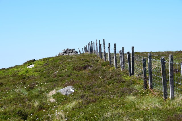 Summit fence, Craigengar
