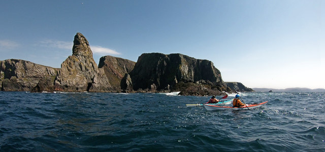 Paddling past Gordi Stack and Hevda