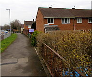 ST2894 : Houses at the northern end of Fetty Place, Cwmbran by Jaggery