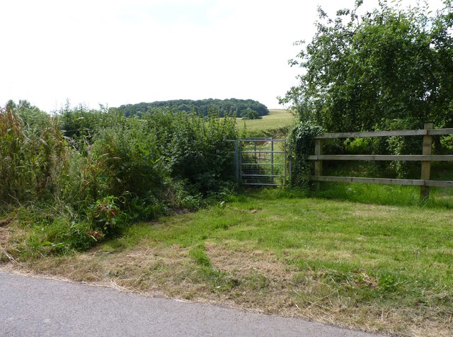 Gate to footpath to Ombersley from Haye Lane