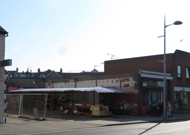 Fruit & vegetable market on Carlton pub site, Rosemary Road