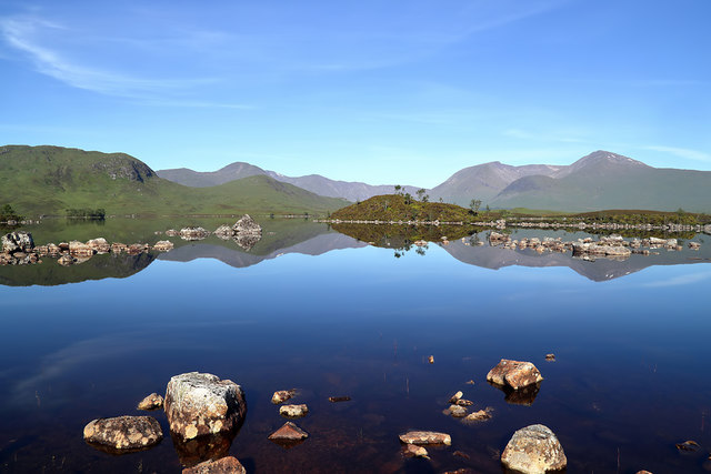 A tranquil Lochan na h-Achlaise
