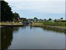 SE3419 : Fall Ings lock basin by Alan Murray-Rust