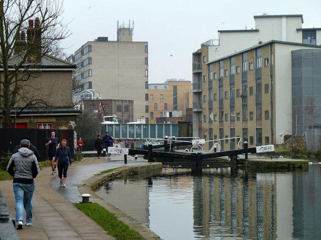 Acton's Lock, Regent's Canal