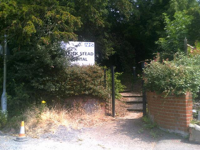 Pedestrian entrance to Patrick Stead Hospital