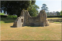 ST5038 : NE corner of the Choir - Glastonbury Abbey ruins by John C