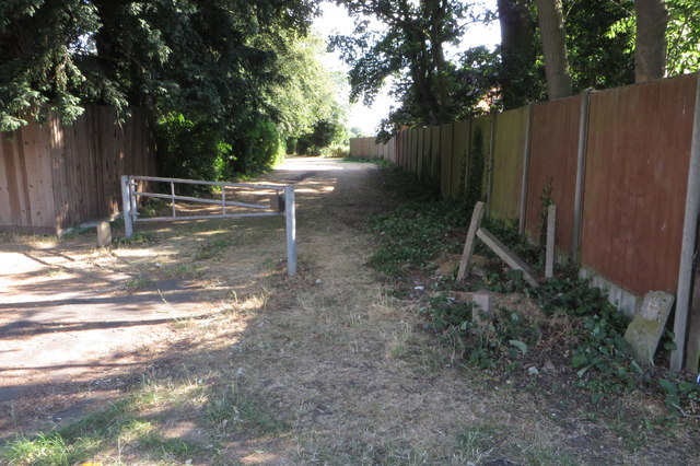 Footpath to Queens Park