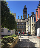 SE3320 : Five Geographers in Crown Court, Wakefield by Robin Stott
