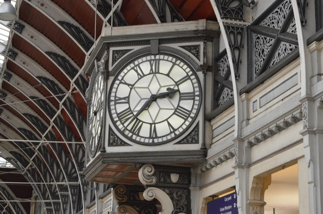 Clock, Platform 1, Paddington Station