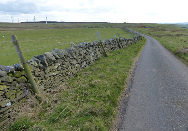 Heading west along Dowlaw Road