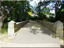 SE3336 : Bridge on the approach to Asket Hall (top) by Stephen Craven