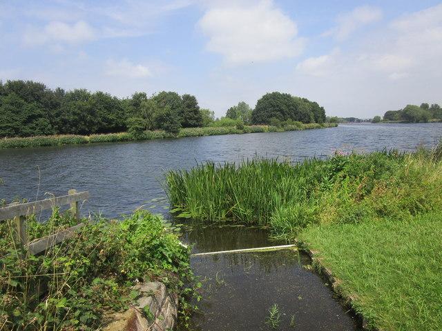 Drain entering the River Trent