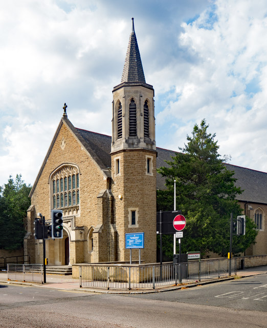 Ponders End: Catholic Church of Mary, Mother of God