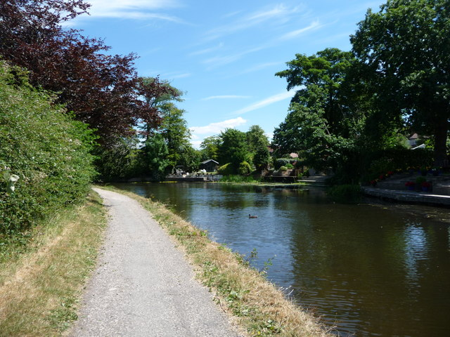 Winding hole between bridges 118 and 119, Lancaster Canal