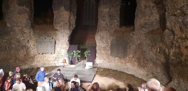 Curtain fall for Much Ado About Nothing in Reading Abbey Ruins