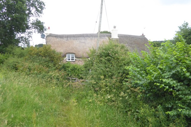 Footpath and cottage at Lilly Bridge