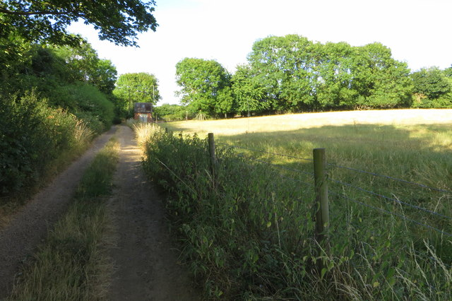 Footpath past the sewage works towards Easton Maudit