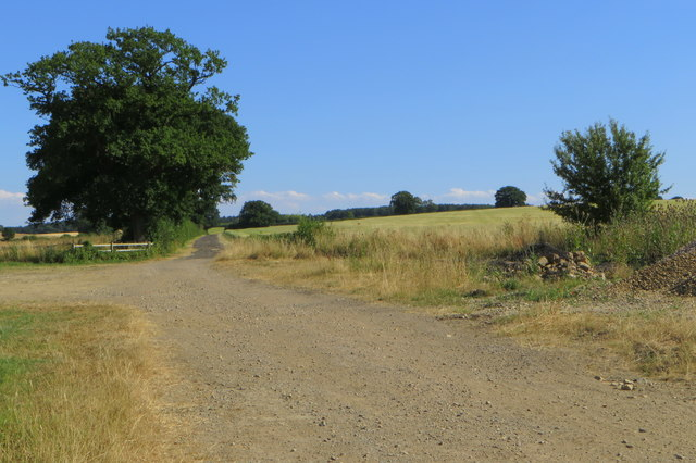 Footpath towards Olney Park Farm