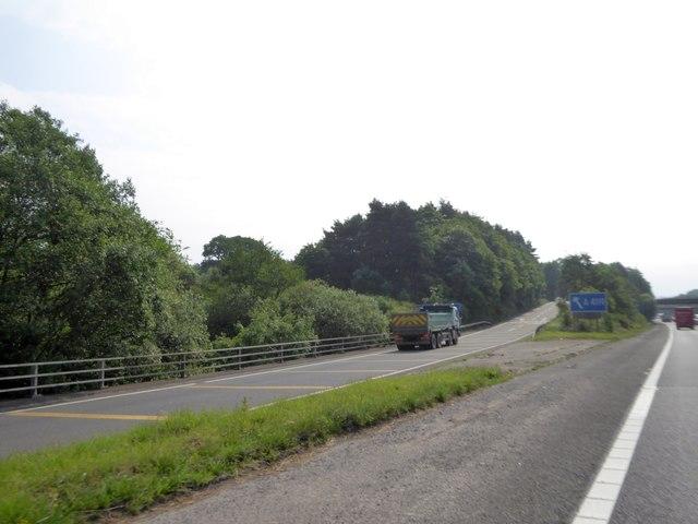 Eastbound exit slip road, junction 34 of M4