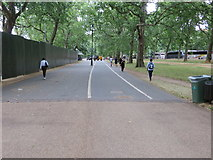 TQ2780 : Traffic free roadway through Hyde Park by Peter Wood