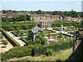 SP2772 : Kenilworth Castle - Elizabethan garden by Chris Allen