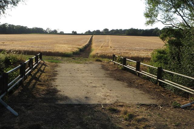 Bridge and bridleway towards Castle Ashby
