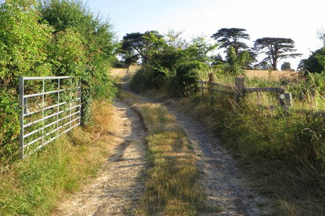 Footpath into Easton Maudit