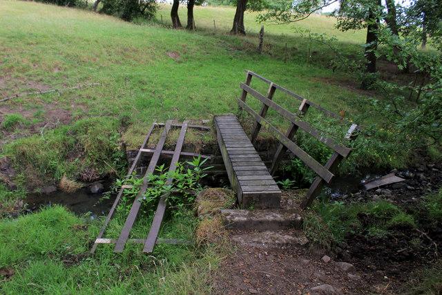 Broken Footbridge over Starling Brook