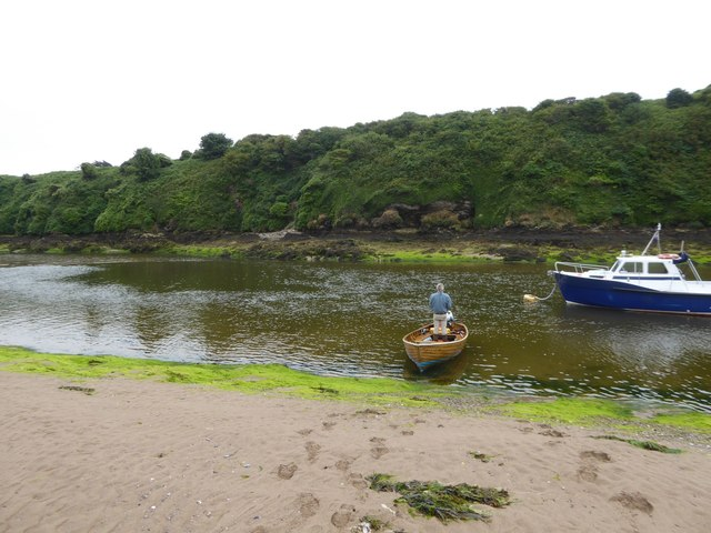Ferry across River Avon at Bantham